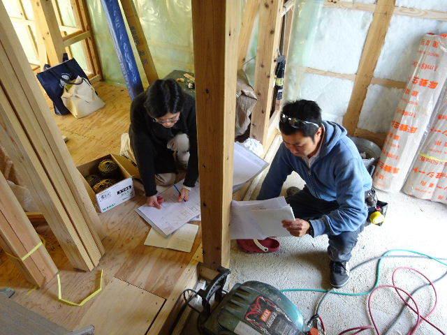 仙北町の家 大工工事が進行中です!_f0105112_04524562.jpg