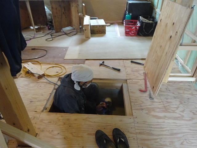 仙北町の家 大工工事が進行中です!_f0105112_04580904.jpg