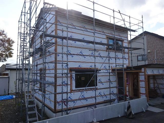 仙北町の家 大工工事が進行中です!_f0105112_05030166.jpg