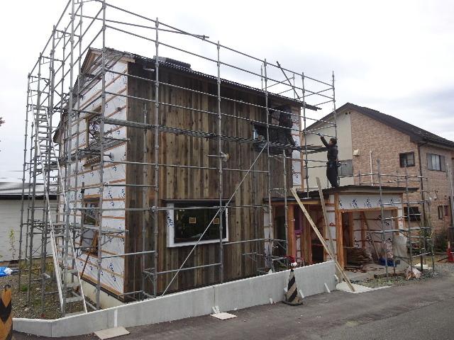 仙北町の家 大工工事が進行中です!_f0105112_05030167.jpg