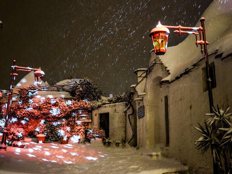 アルベロベッロでクリスマスマーケット&ライトアップ開催中!_b0305039_07034887.jpg