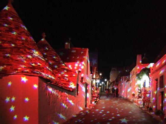 アルベロベッロでクリスマスマーケット&ライトアップ開催中!_b0305039_07061787.jpg