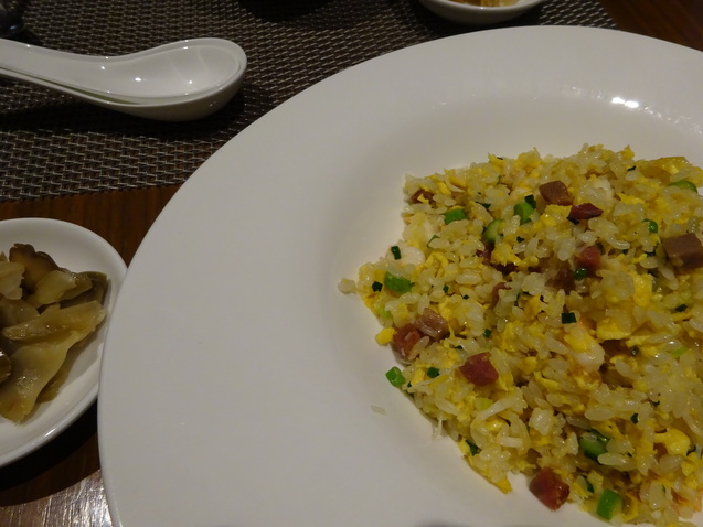 「王朝」で食べ放題の忘年会_b0405262_15514438.jpg