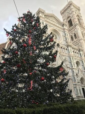 フィレンツェもいよいよクリスマスへ!_a0136671_00470878.jpeg