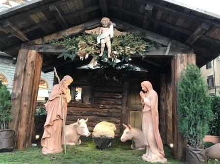 フィレンツェもいよいよクリスマスへ!_a0136671_00473887.jpeg