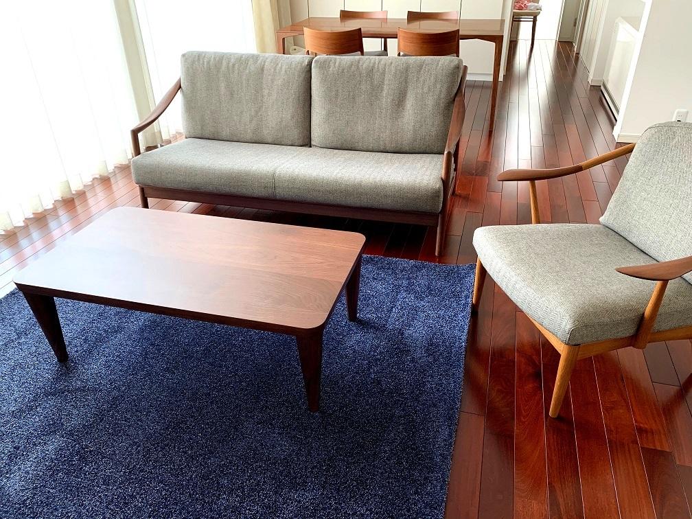 納品実例 ~日進木工のソファとカリモクオリジナルラグ~_d0224984_11451296.jpg