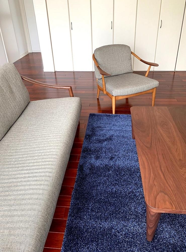 納品実例 ~日進木工のソファとカリモクオリジナルラグ~_d0224984_11452028.jpg