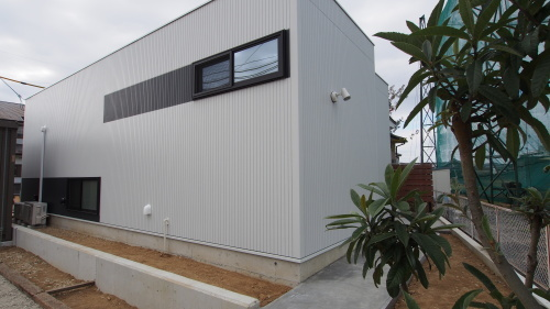 平屋のカッコイイ家 竣工しました。_e0064493_15170121.jpg