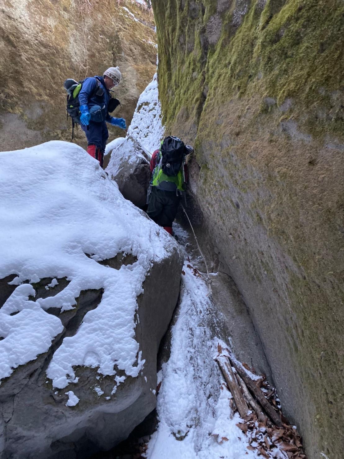 樽前山(北山)と苔の洞門、2019.12.15ー同行者からの写真ー_f0138096_23455502.jpg