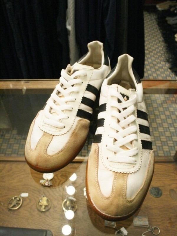令和最初のヨーロッパ買い付け後記19 ただ真っ直ぐ。ベルリンからニュルンベルクへ 入荷70年代80年代adidas ヴィンテージスニーカー_f0180307_02460596.jpg
