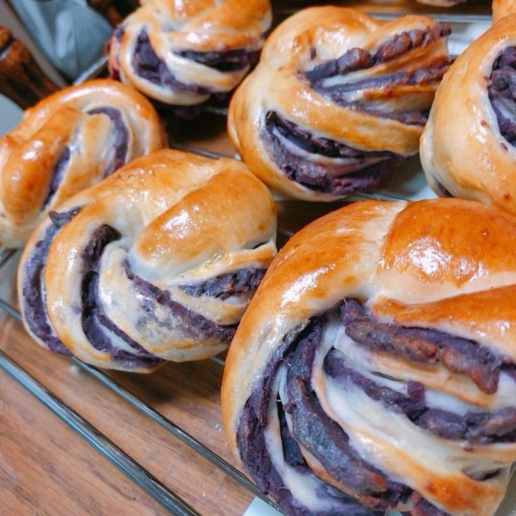 紫イモのパンとフロランタン_d0174920_13002936.jpg