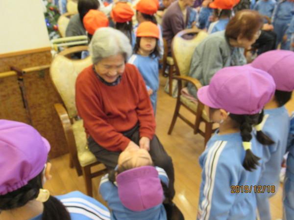 ケアハウス 美木多幼稚園クリスマス交流会_a0166025_12515466.jpg
