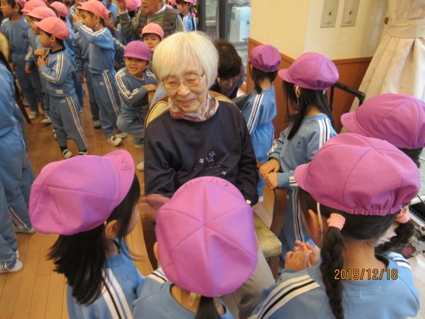 ケアハウス 美木多幼稚園クリスマス交流会_a0166025_12524933.jpg