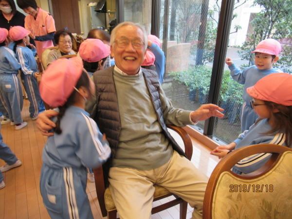 ケアハウス 美木多幼稚園クリスマス交流会_a0166025_12543428.jpg