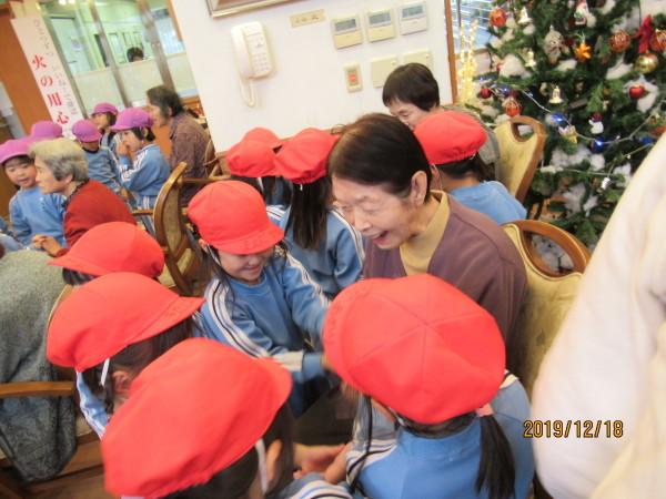 ケアハウス 美木多幼稚園クリスマス交流会_a0166025_13093857.jpg