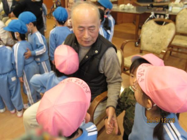 ケアハウス 美木多幼稚園クリスマス交流会_a0166025_13111564.jpg