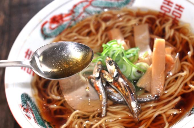 メシ通『魚介を使った簡単レシピ 』☆ 煮干し油!_d0069838_07224713.jpg
