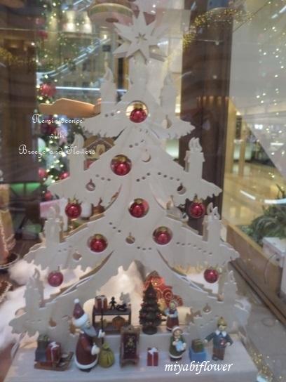 羽田空港のクリスマスツリー 2019_b0255144_10000390.jpg