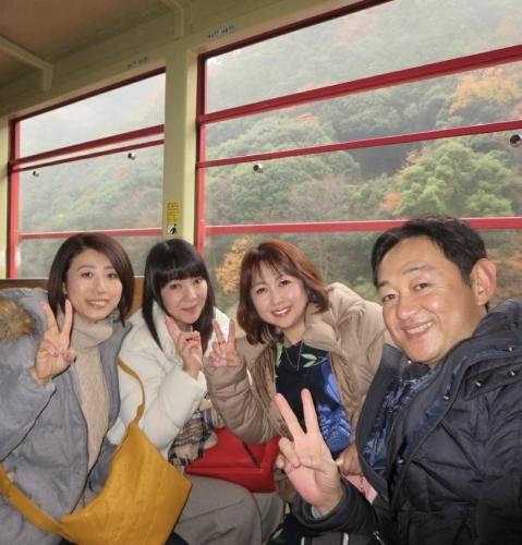 嵐山トロッコ列車_e0292546_03370259.jpg