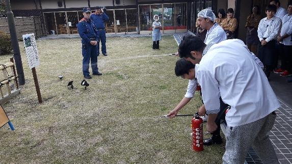 消防訓練を実施しました。_a0217348_09495801.jpg