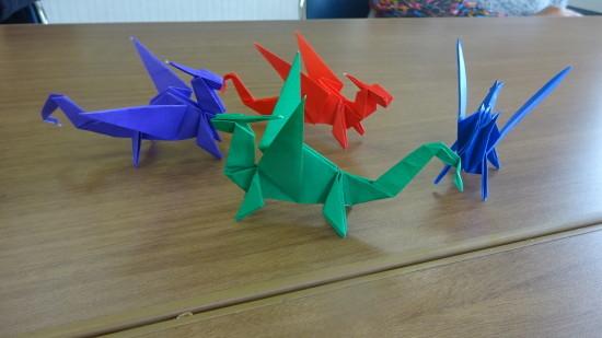 ドラゴンを折る練習_a0025572_23425934.jpg