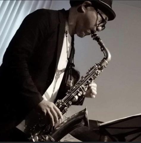 広島 ジャズライブカミン  Jazzlive Comin本日12月19日木曜日のライブ_b0115606_11453333.jpeg