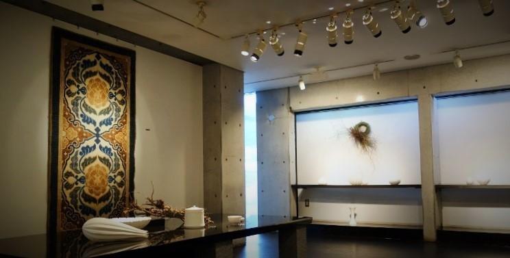 年内最後の企画展ー 若杉聖子 展「冥きより」- 開催中です_b0232919_17252422.jpg