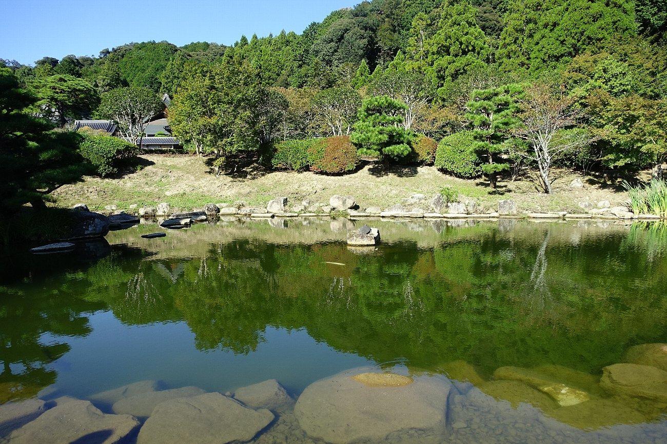 瑠璃光寺 五重塔と池泉庭園_c0112559_08262278.jpg