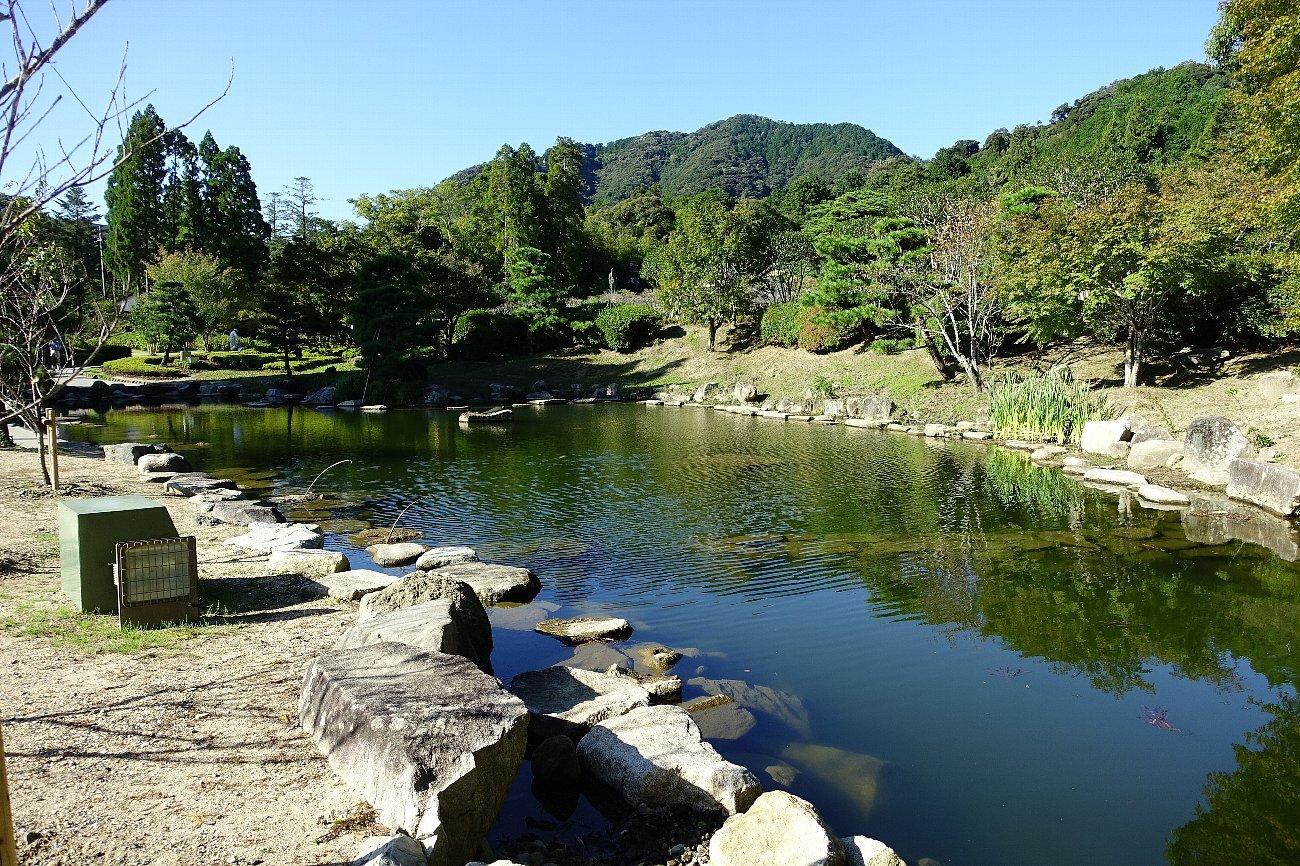 瑠璃光寺 五重塔と池泉庭園_c0112559_08281276.jpg