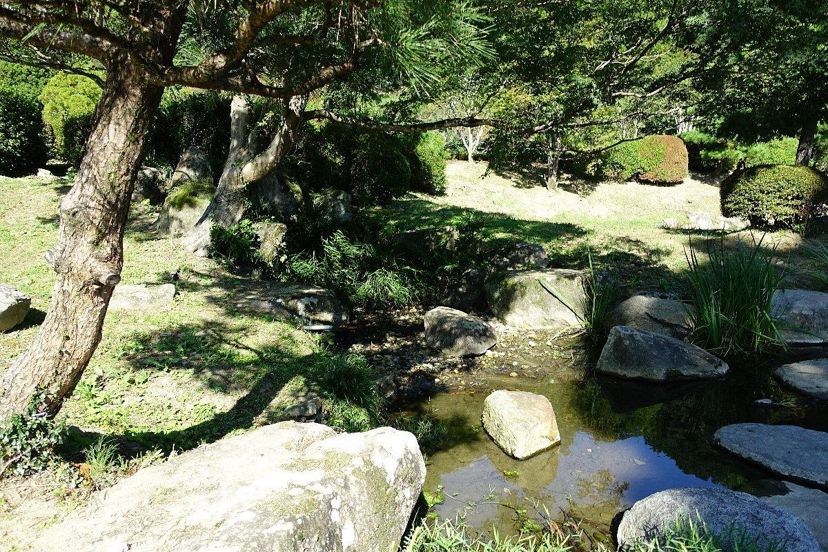 瑠璃光寺 五重塔と池泉庭園_c0112559_08341085.jpg