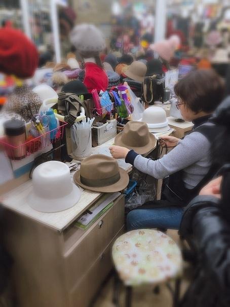 東大門 平和市場で冬の帽子を買う_b0060363_11024373.jpeg