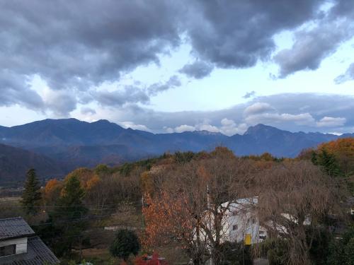 八ヶ岳の雪、甲斐駒ケ岳の雪、ことは少ない。が、これから先、多くなるだろう。_d0338282_11171125.jpg