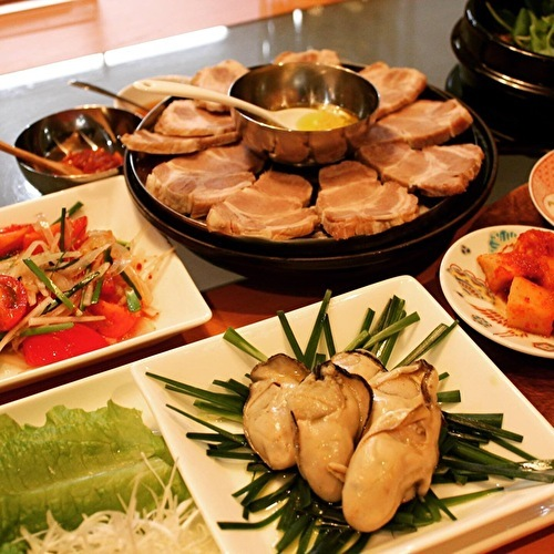 牡蠣と豚肉のポッサムと、牛肉とクレソンのテンジャンチゲ定食_a0223786_17014195.jpg