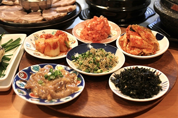牡蠣と豚肉のポッサムと、牛肉とクレソンのテンジャンチゲ定食_a0223786_17035438.jpg
