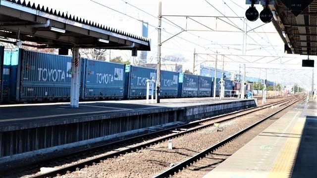 藤田八束の鉄道写真@東北本線宮城県JR名取駅はサッポロビール園前にあります。貨物列車「金太郎」が頑張っています・・・サッポロビールはこの貨物列車をもっと効果的使うと良い・・・貨物列車をコマーシャル様_d0181492_17560751.jpg