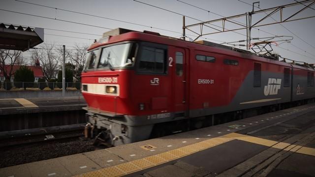 藤田八束の鉄道写真@東北本線宮城県JR名取駅はサッポロビール園前にあります。貨物列車「金太郎」が頑張っています・・・サッポロビールはこの貨物列車をもっと効果的使うと良い・・・貨物列車をコマーシャル様_d0181492_17585952.jpg