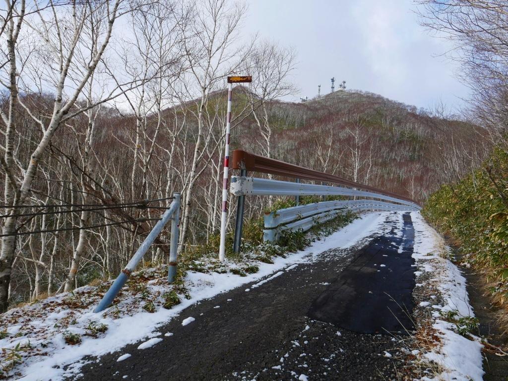 少雪の紋別岳、2019.12.19_f0138096_17241296.jpg