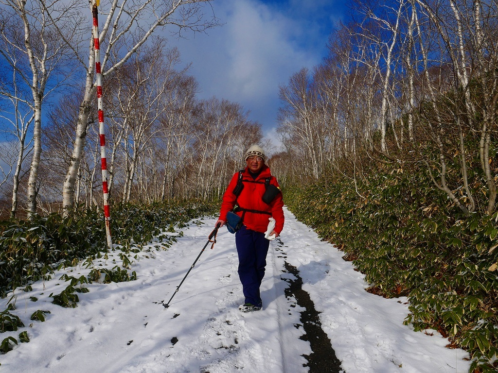 少雪の紋別岳、2019.12.19_f0138096_17241830.jpg