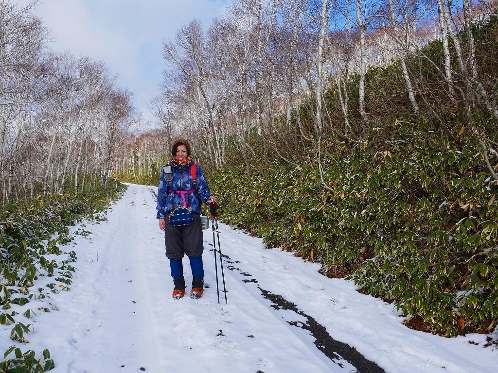 少雪の紋別岳、2019.12.19_f0138096_17242869.jpg