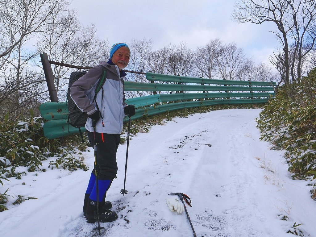 少雪の紋別岳、2019.12.19_f0138096_17244878.jpg
