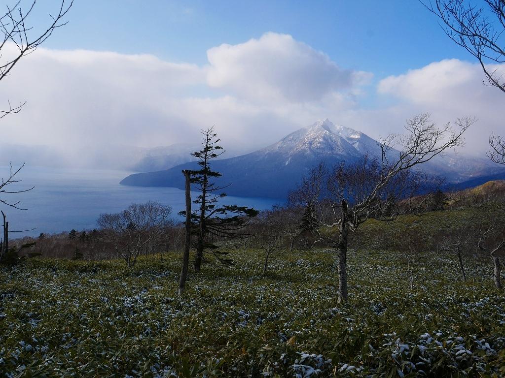 少雪の紋別岳、2019.12.19_f0138096_17251246.jpg