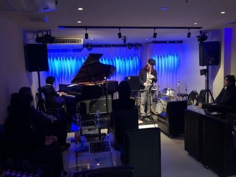 広島 ジャズライブカミン  Jazzlive Comin本日12月20日_b0115606_12120266.jpeg
