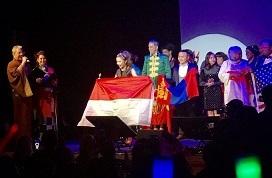 祝・インドネシア代表のOLIVIA RUTHさん第3位@カラオケ世界チャンピオン大会ソロ部門_a0054926_20324663.jpg