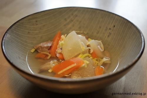 塊肉と大根の塩スープ_d0144726_07272516.jpg