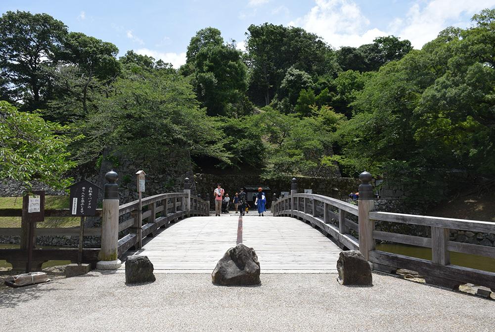 国宝・彦根城を歩く。 その1 <佐和口御門~表御殿>_e0158128_15242676.jpg