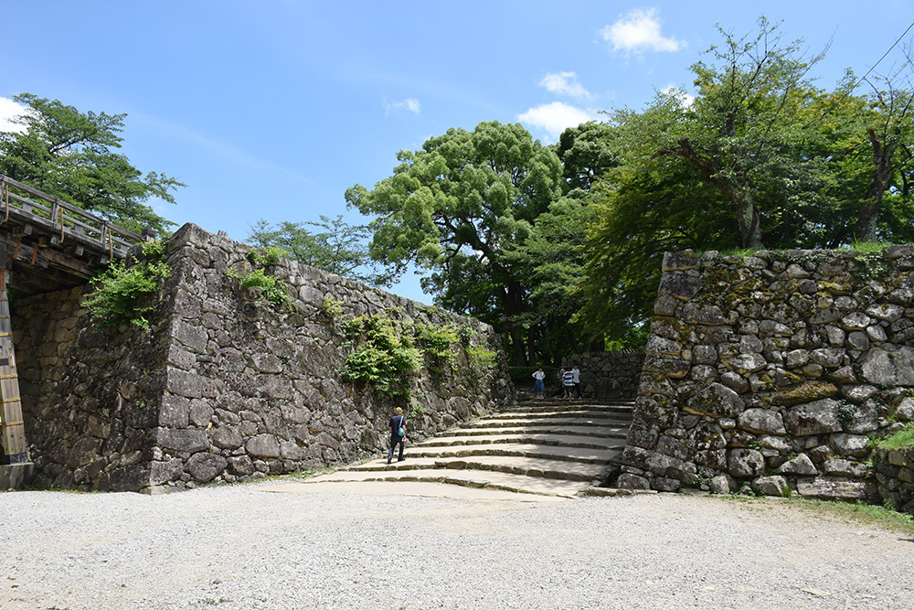 国宝・彦根城を歩く。 その2 <天秤櫓>_e0158128_16055206.jpg