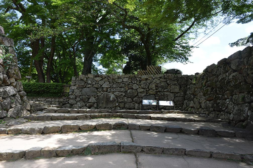 国宝・彦根城を歩く。 その2 <天秤櫓>_e0158128_16055792.jpg