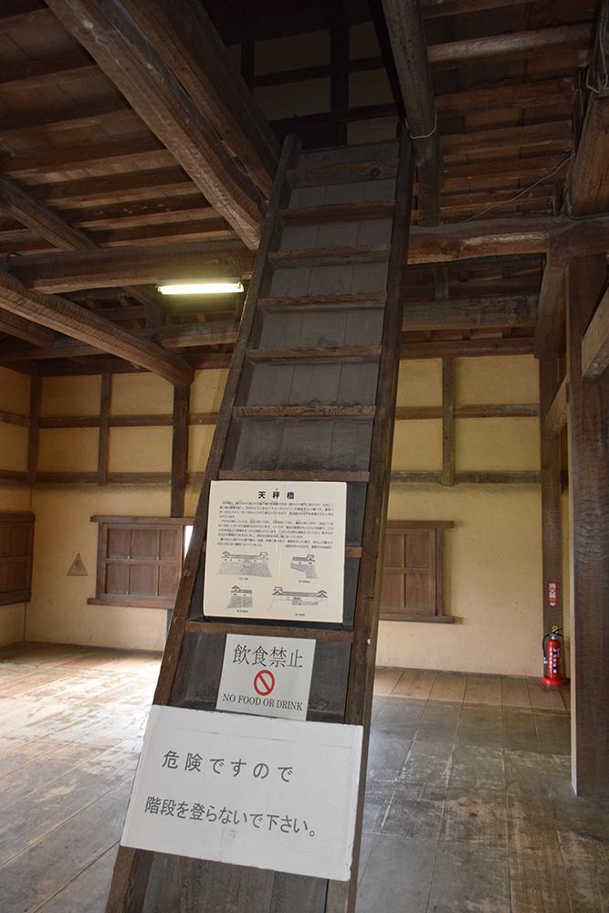 国宝・彦根城を歩く。 その2 <天秤櫓>_e0158128_16154747.jpg