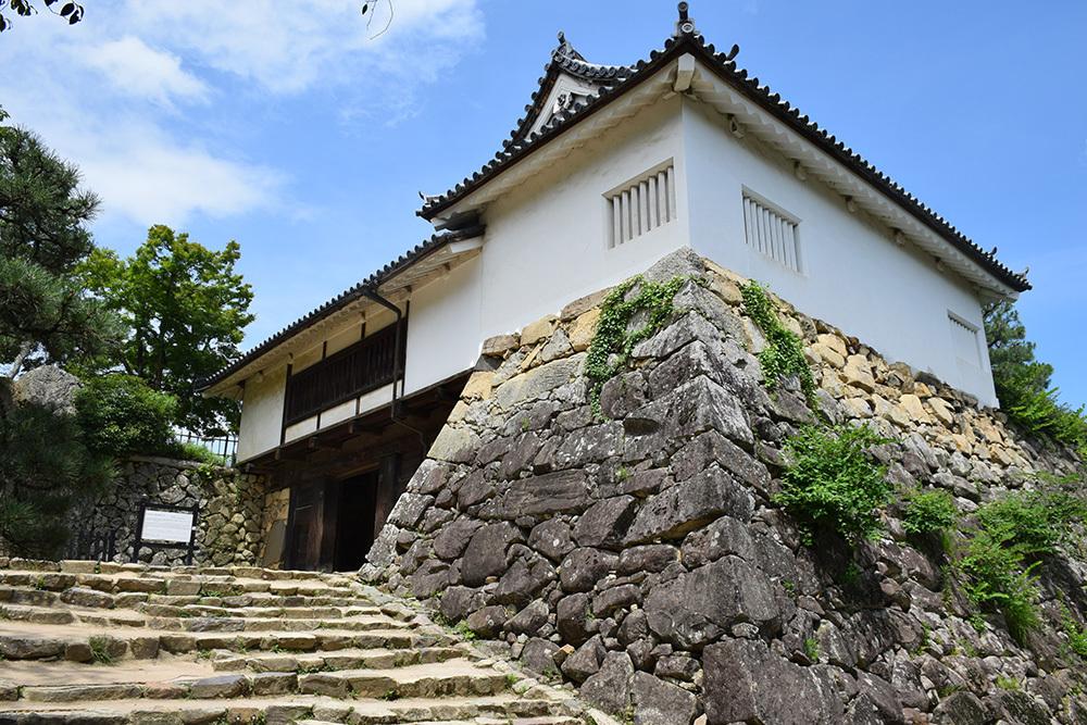 国宝・彦根城を歩く。 その3 <太鼓丸~太鼓門櫓~本丸>_e0158128_16340877.jpg