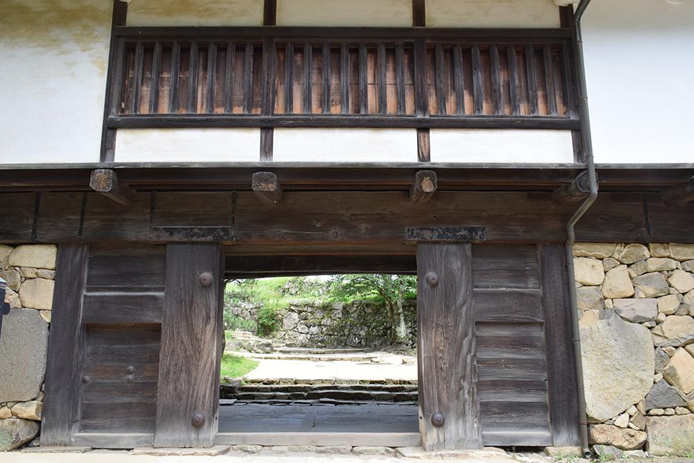 国宝・彦根城を歩く。 その3 <太鼓丸~太鼓門櫓~本丸>_e0158128_16363216.jpg